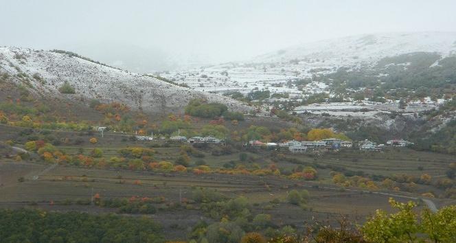 Posofun yüksek kesimlerine kar yağdı