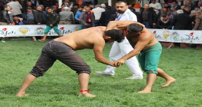 Yusufelinde 68. Geleneksel Karakucak Güreşleri gerçekleştirildi