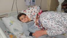 Havuza düşen ve kalbi iki kez duran Minik Mustafa, kalp masajıyla hayatta kaldı