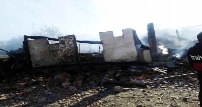 Kastamonuda bir ev yandı