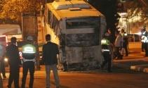 Mersinde bombalı saldırının düzenlendiği polis servis aracı olay yerinden kaldırıldı