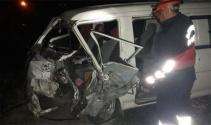 Zonguldakta iki araç kafa kafaya çarpıştı: 2 yaralı