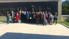 Bulanıklı kadınlar, İstanbul ve Çanakkaleyi gezdiler
