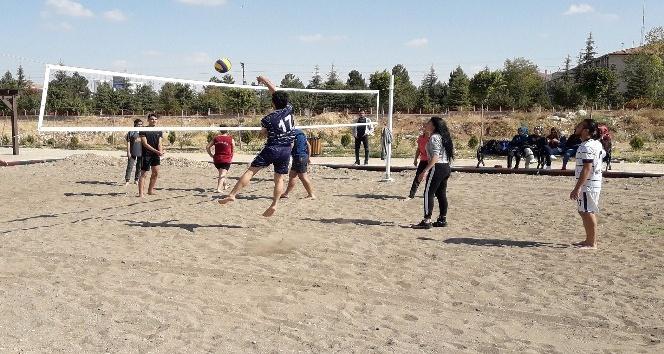 KMÜde beach voleybol turnuvası