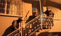 İzmir'de uyuşturucu çetesi 6 aylık takip sonrası çökertildi