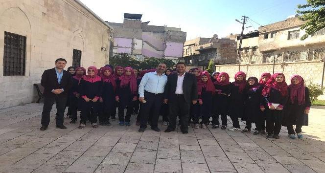 Öğrenciler tarihi Ulu Camiyi gezdi