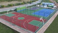 Beyşehirin 27 mahallesine çok amaçlı spor sahası