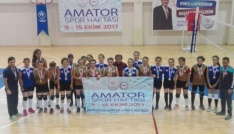 1308 Osmaneli Belediye Spor Kız Voleybol Takımı ikincilik kupasıyla döndü