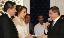 Davutoğlu yeğeninin nikah törenine katıldı