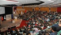 ADÜde Yaşlılık Süreci Konferansı yapıldı