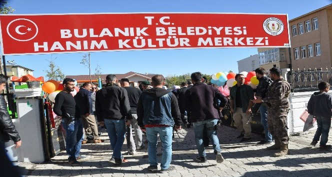 Muşta Hanım Kültür Merkezi açıldı