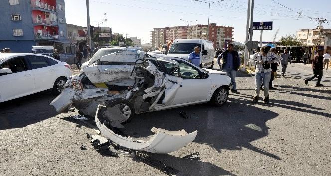 Derikte trafik kazası: 4 yaralı