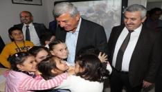 Başkan Karaosmanoğlu öğrencilerle bir araya geldi