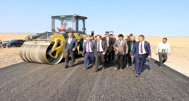 Yozgatta köy yolları sıcak asfaltla buluştu