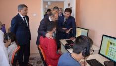 Vali Ustaoğlu, Tatvanda temaslarda bulundu