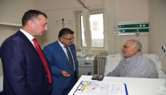Vali Büyükakın ve Başkan Yağcıdan hasta ziyareti