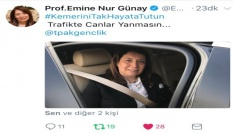 Ak Gençlerden trafikte kemer takmayı teşvik etmek için kampanya