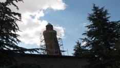Pisa Kulesinden daha eğik olan Eğri Minare koruma altına alınıyor