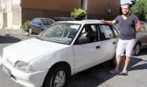 Arabasını iPhone ile takas etmek için ilan verdi