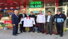 İzmit Belediyesi kasaplara önlük hediye etti