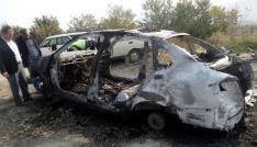 Kastamonuda hurdaya çıkan araç yandı