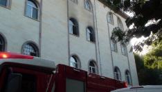 Camide çıkan yangın paniğe neden oldu