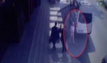 Geri geri giden minibüs ABD vatandaşı adama böyle çarptı
