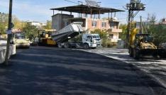 İpekyolu Belediyesinin yeni yol ve asfalt çalışmaları devam ediyor
