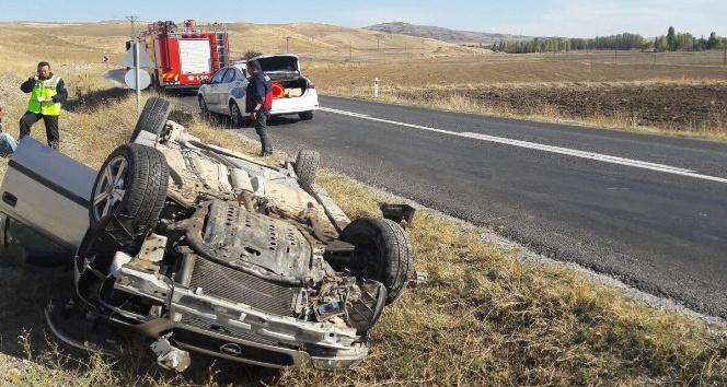 Otomobil takla attı : 2 yaralı