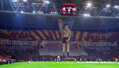 Galatasaray taraftarından Rocky Balboa kareografisi
