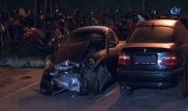 Bağdat Caddesinde araç kaldırıma çıktı: 4 yaralı