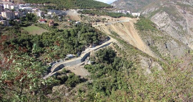 Artvin İskebe Deresi Köprüsü'ne kavuşacak