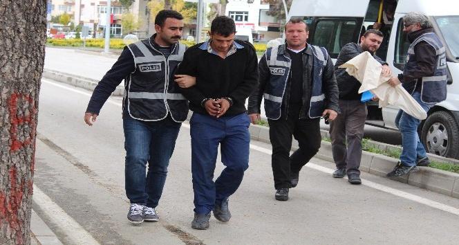 Suçüstü yakalanan hırsızlar adliyeye sevk edildi