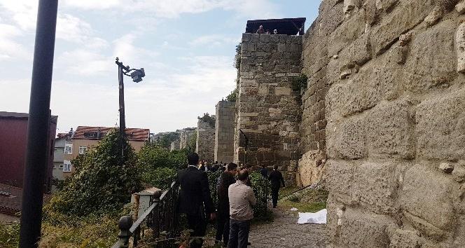 Amasra'da kale surlarından düşen şahıs hayatını kaybetti