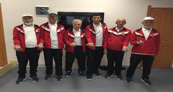Şavşatlı yaşlılar Bocce Türkiye Finali'nde şampiyonluk için Muğla'ya gitti