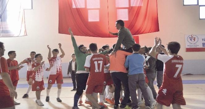 Sungurlu'da futsal turnuvası düzenlendi