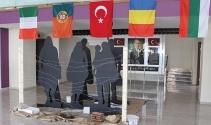 5 ülkenin öğrencileri küresel mülteci sorununa dikkat çekmek için İstanbul'da