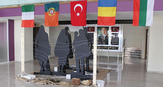 5 ülkenin öğrencileri küresel mülteci sorununa dikkat çekmek için İstanbulda