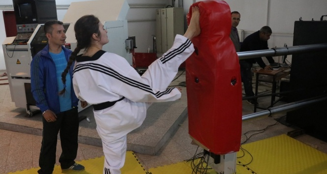 Türkiyenin ilk milli ve yerli antrenman robotu