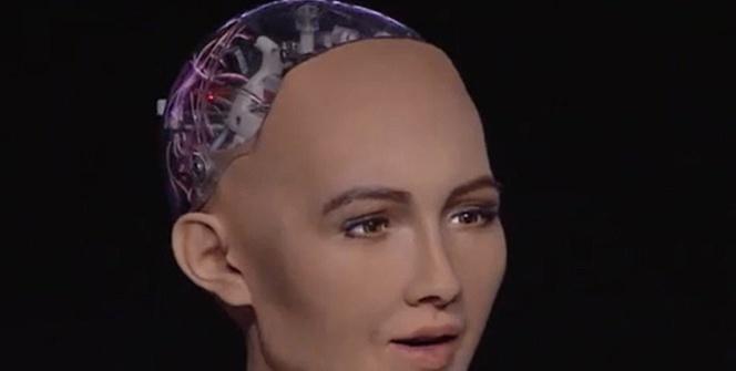 Dünyanın ilk robot vatandaşı: Sophia
