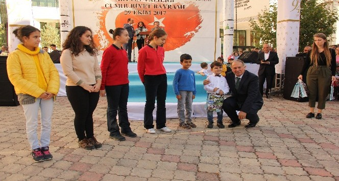 Artvin'de 29 Ekim Cumhuriyet Bayramı kutlamaları