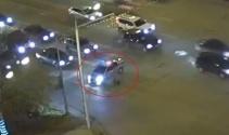 Yoğun trafikteki yaşlı adamın imdadına polis yetişti
