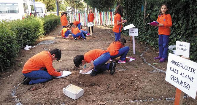 İhlas Koleji öğrencilerinden arkeolojik kazı çalışması