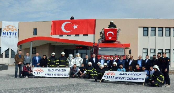 Ankara Büyükşehir Belediyesi'nden Hitit Üniversitesi'ne itfaiye aracı