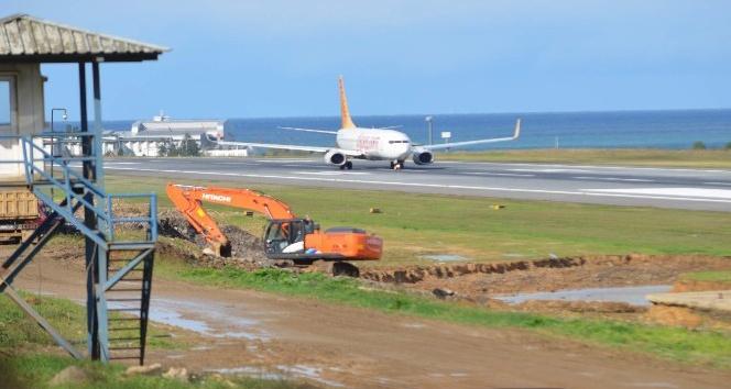 Trabzon Havalimanı pisti 1 aylık bakıma alındı