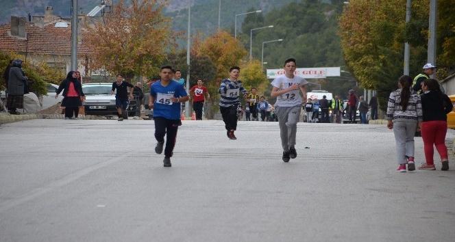 Kargı Panayırı etkinlikleri kapsamında atletizm yarışları düzenlendi