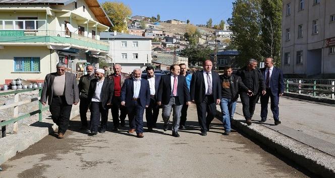 Vali Ali Hamza Pehlivan, Konursu Köyü ile Pancar Alım Merkezini ziyaret etti