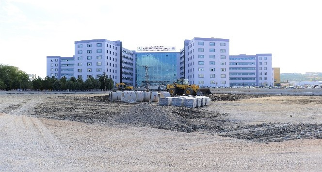 Çorum Belediyesi, yeni hastane etrafına yeni yollar ve otoparklar yapıyor