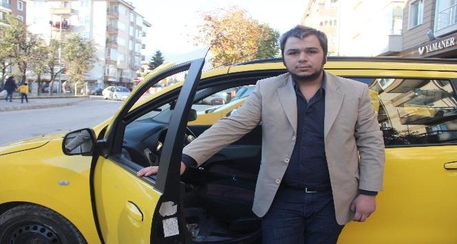 İstanbul'a götürdüğü yolcusu tarafından taksisi çalındı
