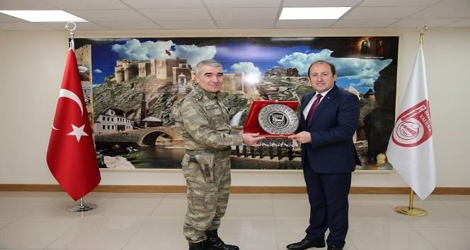 3. Ordu Komutanı Orgeneral Savaş, Vali Pehlivan'ı ziyaret etti